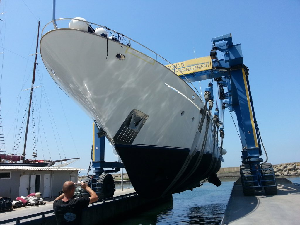 yacht service in dry dock